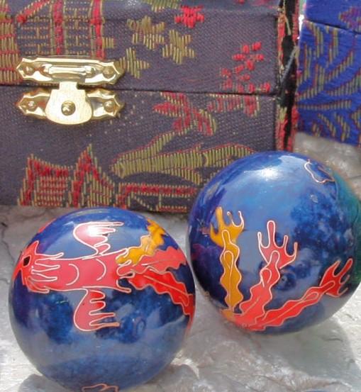 Berk Qi Gong Klangkugeln - Drache & Phönix in Brokatkästchen blau KH-924