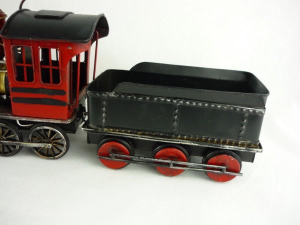 Blechmodell Lokomotive, rot/schwarz mit Wagon, 50x11x16 cm 903836